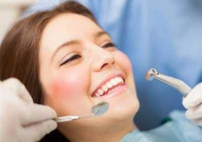 Стоматологическая клиника сделает Вашу улыбку идеальной