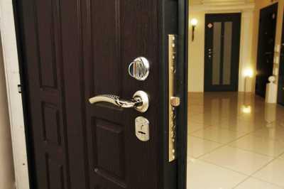 Как заменить замок на двери